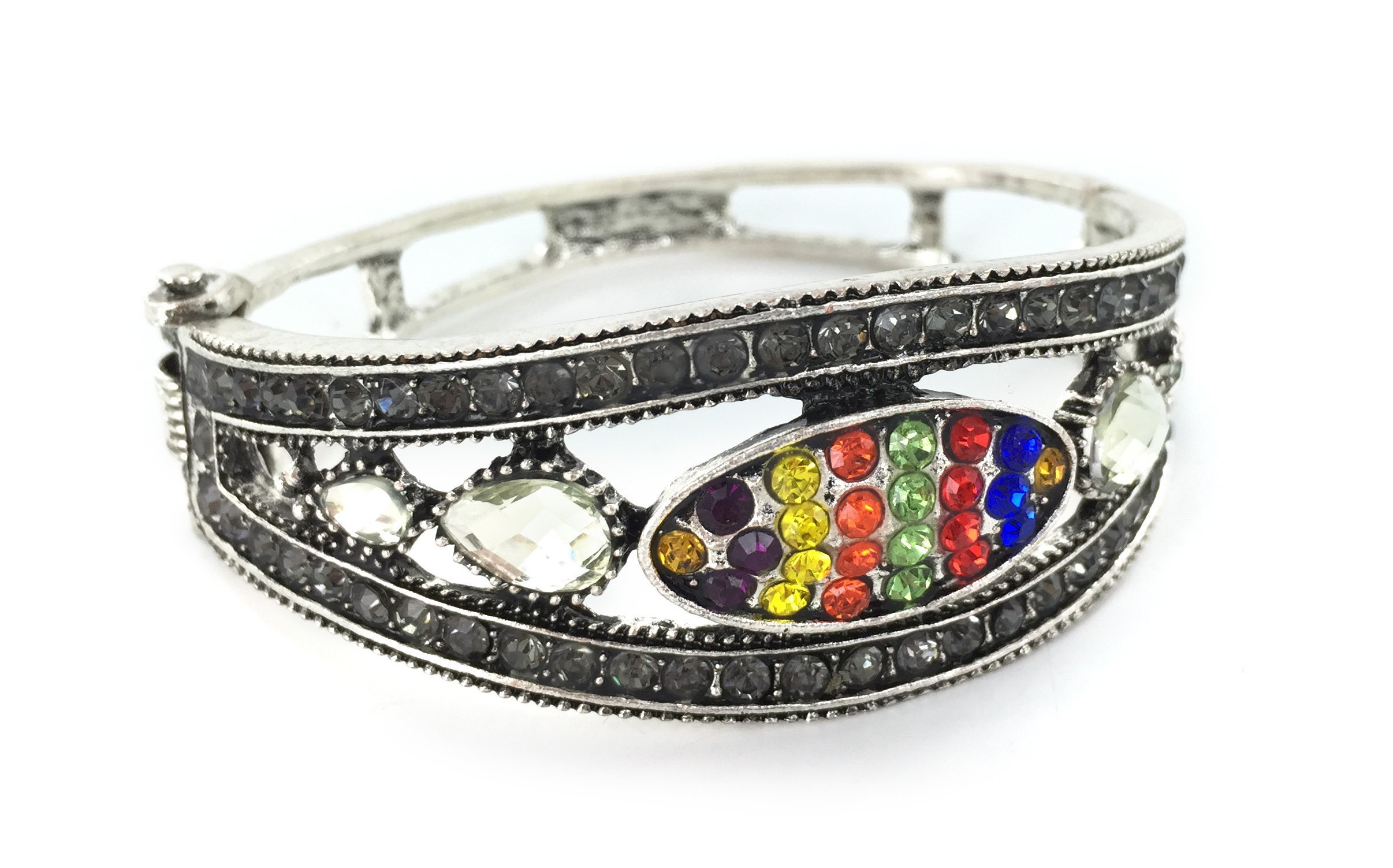 CF - Bracelet - Young woman jeweled cuff bracelet<BR>若い女性宝石ブレスレット